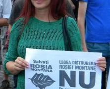 Boc küldözgeti tüntetni a feleségét a PSD szerint