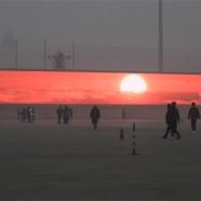 Nem igaz, hogy a szmogos Pekingben óriásképernyőkön néznék a napfelkeltét