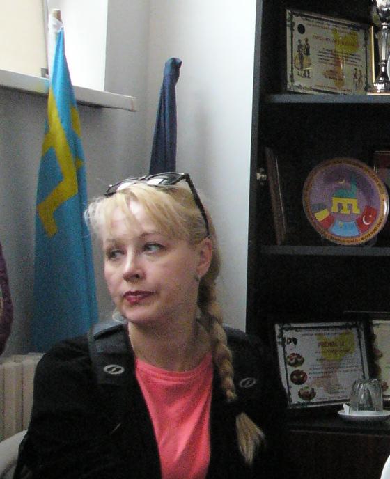 Krími tatár zászló a tulceai tatárok irodájában