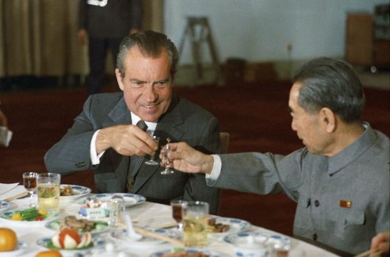 Zhou Enlaijal (Csou En-laj), a kommunista Kína miniszterelnökével