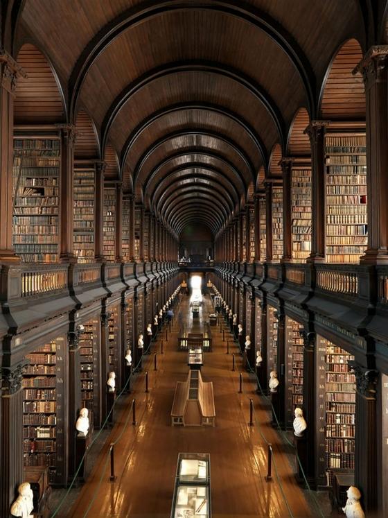 A Trinity College könyvtára Dublinban
