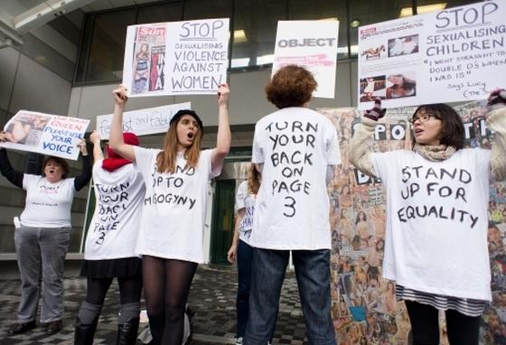 Tiltakozók 2010-ben