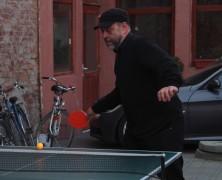 Színházi világnap: kiálltunk pingpongban a színészek ellen!