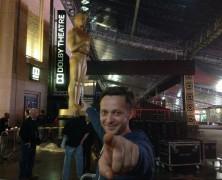 Molnár Levente már az Oscarral pózol