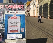 Megtrollkodták a Kutyák az EMNP népszavazásos plakátjait Szatmárnémetiben