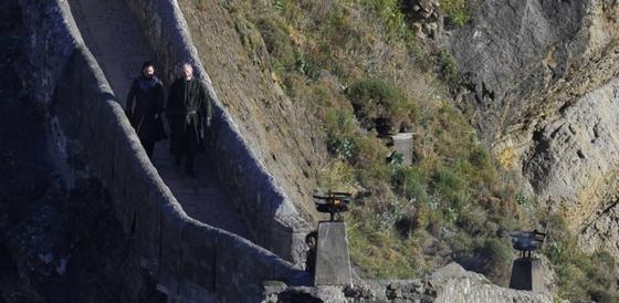 Havas Jon és Ser Davos sétál