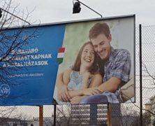 A magyar kormány befutott egy reklámcsapdába, de ezzel nincs egyedül