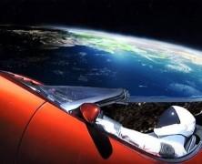 Fellőttek egy Teslát az űrbe. Az internet népe pedig nem bírja ki, hogy ne parodizálja