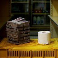 Amikor pénzzel olcsóbb kitörölni, mint vécépapírral