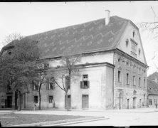 Még egy kép (és annak története) az egykori Farkas utcai színházról